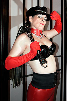 Mistress-Maggie-Preston-1