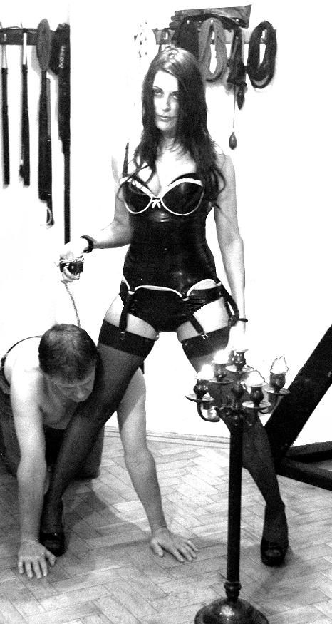 London-Mistress-Allure-with-her-slave