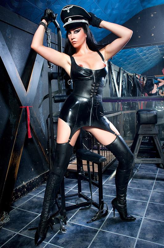 London-Mistress-Morana