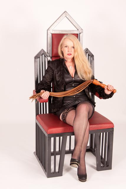 Birmingham-Mistress-Lady-Ileash