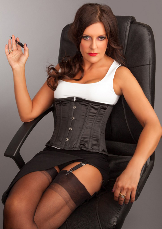London-Mistress-Allure-corset2