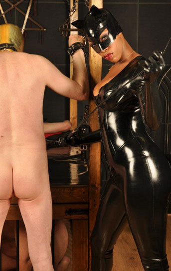 London-Mistress-BellaDonna-Knight