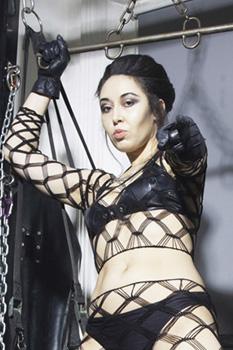 london-mistress-sadie4