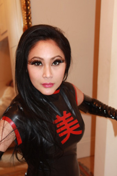London-Mistress-Madame-Suri1