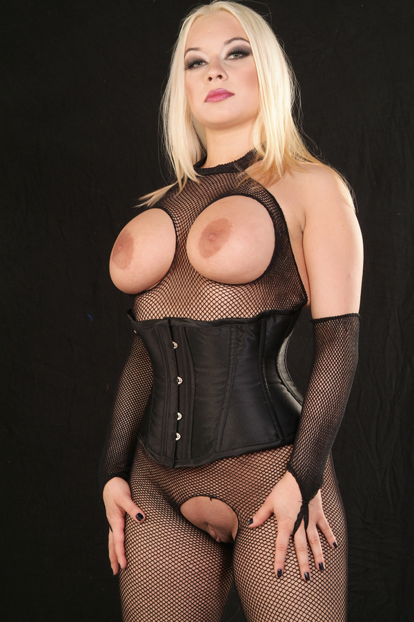 London-Mistress-Ingrid-Frost