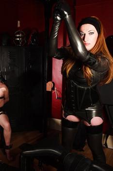 Manchester-Mistress-Sarah-Kane2
