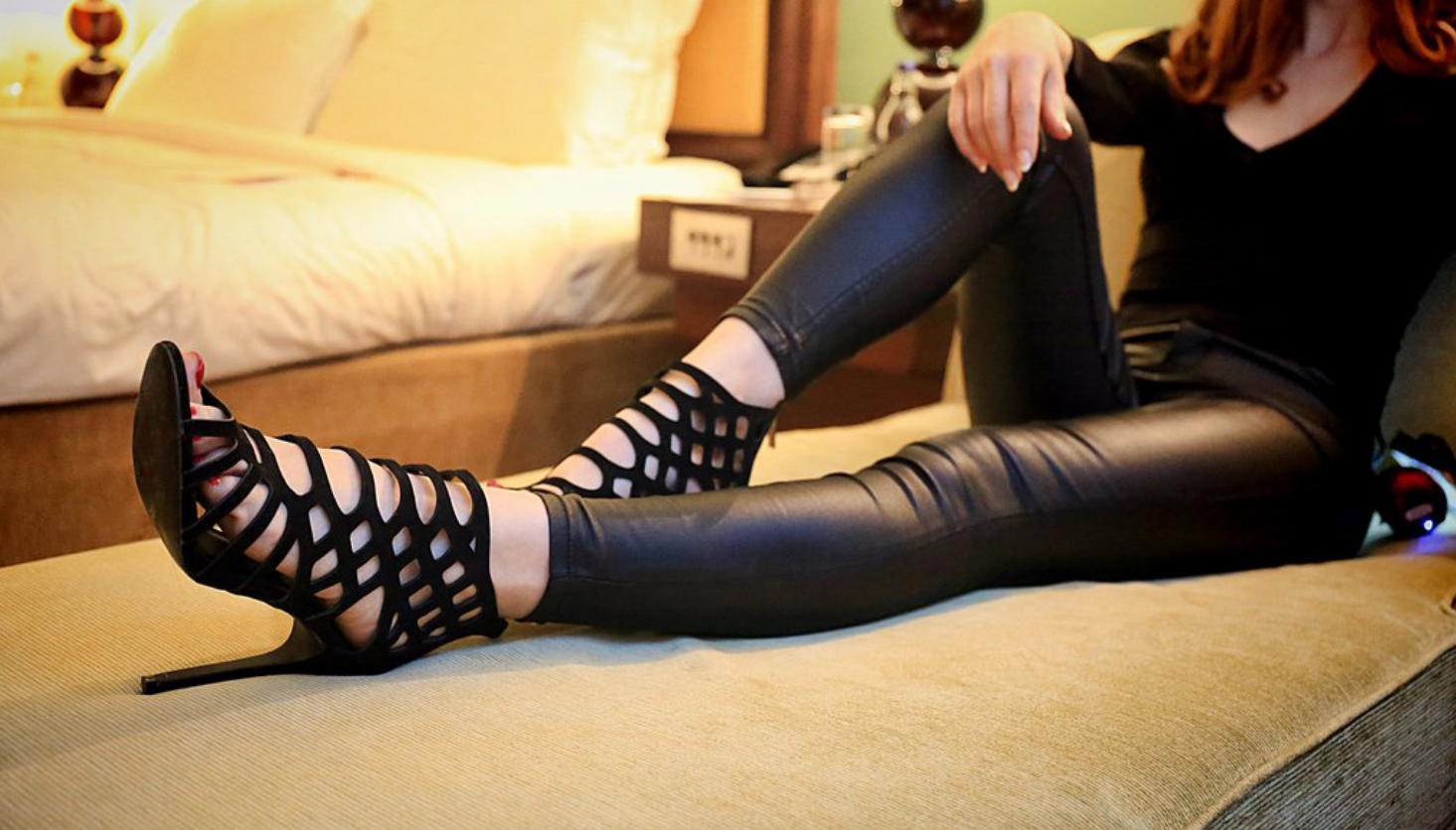 London-Foot-Fetish-Miss-Helen
